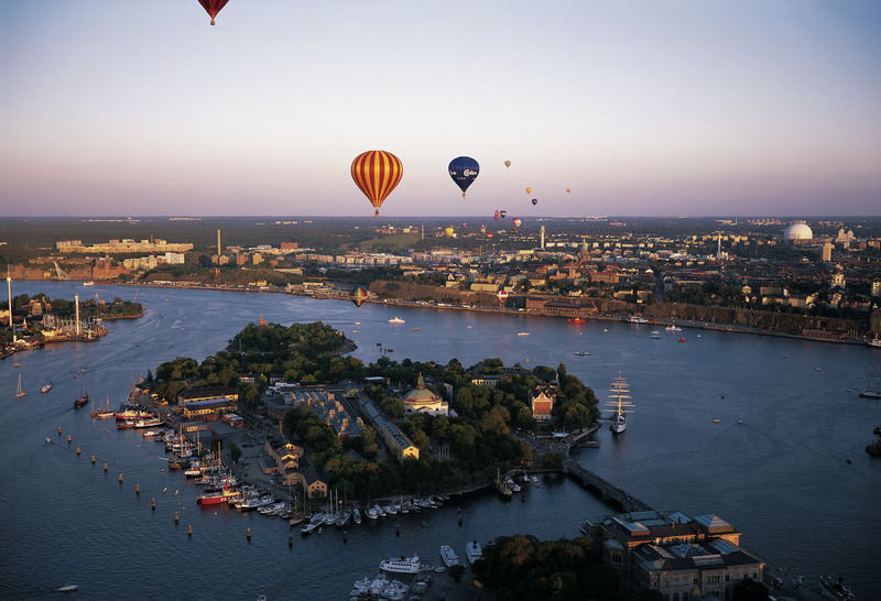 Stockholm_view_with_baloons_Photo_Jeppe-Wikstrom_Low-res